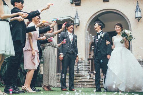 結婚式の感動演出の様子